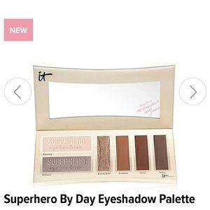 IT cosmetics eye shadow palette